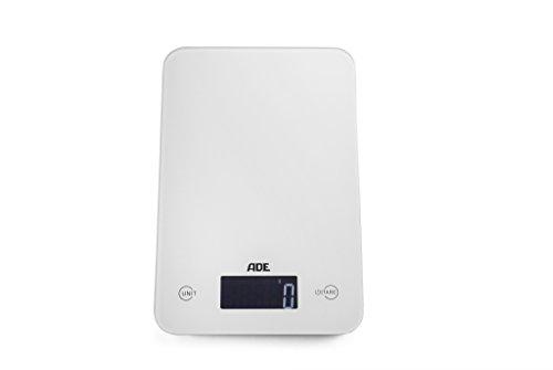 ADE Digitale Küchenwaage KE 915 Slim. Elektronische Waage im schlankem Design (nur 12 mm hoch). Präzise wiegen bis 5 kg, Zuwiegefunktion Tara, Sensor-Touch. Auch für Flüssigkeiten. Inkl. Batterie. Weiß