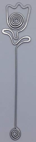 Segnalibro Tulipano Argento,interamente realizzato a mano in alluminio e corredato di custodia in cartoncino,anch'essa realizzata a mano!Un pensiero semplice e di effetto!
