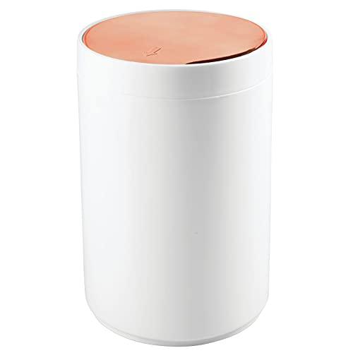 mDesign praktischer Mülleimer – moderner Abfalleimer aus Kunststoff für Bad, Büro und Küche mit 5l Fassungsvermögen – stabiler Papierkorb mit Deckel – weiß/roségold