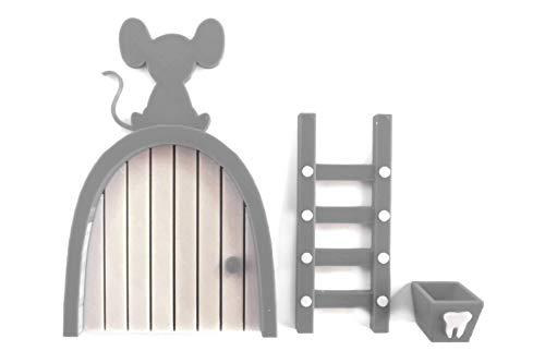 Ratoncito Pérez puerta gris a su casita con escalera y cajita para diente.