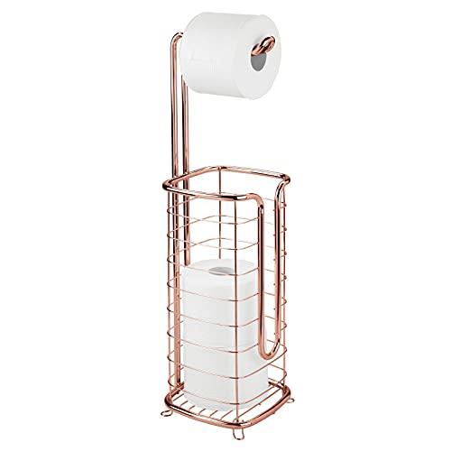 mDesign Toilettenpapierhalter ohne Bohren – freistehender Klorollenhalter fürs Badezimmer – quadratischer Papierrollenhalter für vier Rollen – rotgold