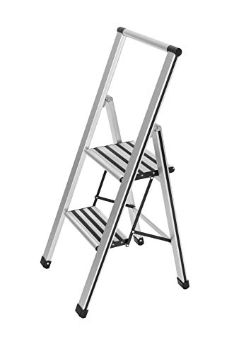 WENKO Leichte Aluminium Trittleiter mit 2 Stufen für 50 cm höheren Stand, rutschsichere XXL-Stufen, Design Klapptrittleiter mit 44 x 101 x 5,5 cm, TÜV Süd zertifiziert, matt silber