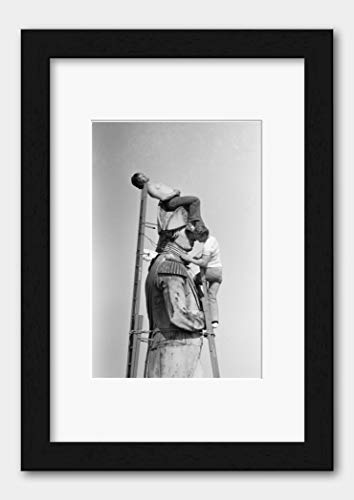 Cleaners On Top of Nelson's Column in London England 1980 Print 3 Black Frame White A3 (29.7x42cm)