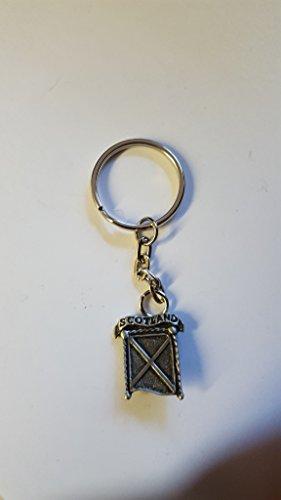 Saltire Scotland DK5 hecho de peltre inglés fino en un llavero de anillo dividido