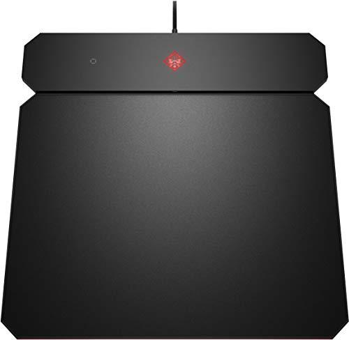 HP - Gaming OMEN Outpost Mousepad, con Ricarica Qi Wireless Integrata, Tappetino Antisfilacciamento e Reversibile con Lato Duro e Morbido, Texture Uniforme, LED RGB Personalizzabili, Nero