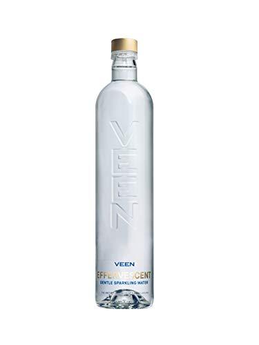 VEEN Effervecent Quellwasser - 12x 660ml - Mineralwasser mit Kohlensäure, kohlensäurehaltiges Wasser in hochwertiger Glasflasche, Durstlöscher aus Naturquelle, sprudelndes Wasser