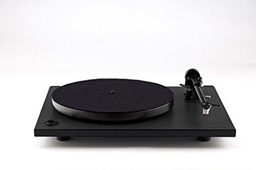 Rega RP 1 Cool Grey Plattenspieler inkl. montierten MM-Tonabnehmersystem Rega Carbon + Staubschutzhaube