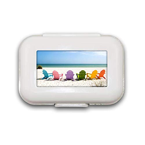Adirondack Beach Stoelen op een Sun Beach Vakantie Reizen HousePill Box Pill Case Pill Organizer Decoratieve Boxen Pill Box voor Pocket of portemonnee - 8 Compartiment Pill Box/Pill case