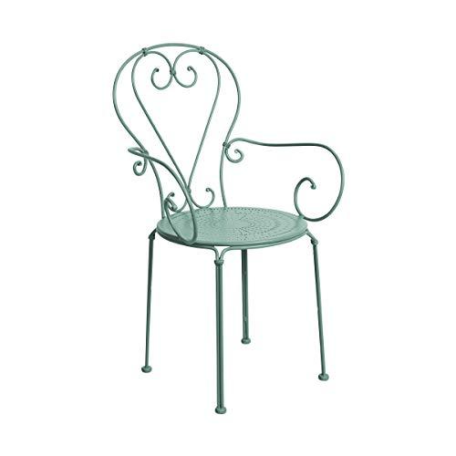 Butlers Century Stuhl mit Armlehnen - salbeifarbige Sitzmöglichkeit aus Eisen - für Garten und Balkon - französischer Stil