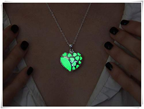 Collar brillante en la oscuridad, collar con corazón de corazones, colgante verde brillante, collar brillante, colgante en la oscuridad, joyería brillante, collar con corazón de amor