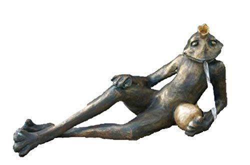 Steinfiguren Horn Wasserspeier liegender Froschkönig Detlef, von der Künstlerin Hanf, Bronze Frosch, Tierfigur für Garten & Teich
