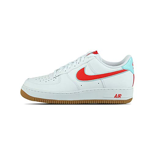 Nike Air Force 1 '07 LV8, Zapatillas de básquetbol para Hombre, White Chile Red Glacier Ice Gum Lt Brown, 45.5 EU
