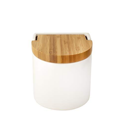KOOK TIME saleros de Cocina con Tapa de Madera de bambú basculante, 11.7 x 11.5 x 11.3 cm. - Saleros de Cocina Modernos con Base cerámica Blanca para Usar como salero y azucarero o especieros