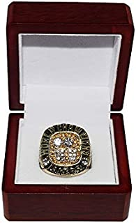 LOS ANGELES LAKERS (Kobe Bryant) 2001 NBA FINALS WORLD CHAMPIONS (Back 2 Back Champs) Rare Collectible Replica Basketball Gold Championship Ring with Cherrywood Display Box