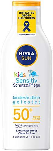 NIVEA SUN Kids Sensitiv Schutz & Pflege Sonnenmilch LSF 50+ (200 ml), extra wasserfeste Sonnencreme mit LSF 50+, Sonnenlotion für empfindliche Kinderhaut