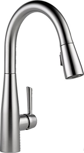 Delta Faucet Essa Pull Down Kitchen Faucet with Pull Down Sprayer, Kitchen Sink Faucet, Faucets for Kitchen Sinks, Single-Handle, Magnetic Docking Spray Head, Arctic Stainless 9113-AR-DST