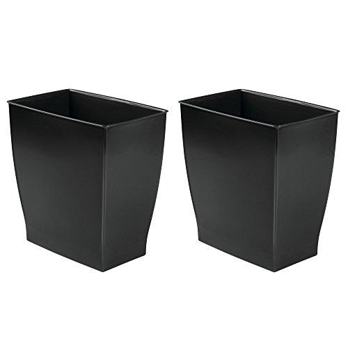 mDesign Juego de 2 papeleras de reciclaje de diseño atractivo – Contenedor de plástico resistente para el baño, la cocina o la oficina – Cubo de basura moderno – negro