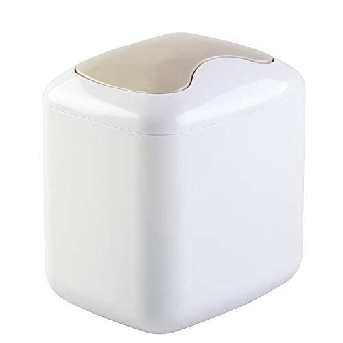 mDesign Cubo de basura para mesa en plástico resistente - Papelera compacta para baño, cocina y sala de estar - Cesta de residuos con práctica tapa oscilante - Capacidad: 2,7 litros - pequeño - blanco