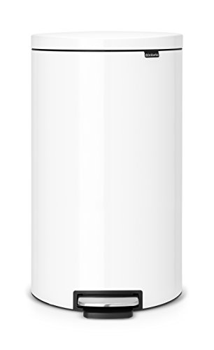 Brabantia 485206 Poubelle pédale Flatback avec seau en plastique, 30 L - Blanc