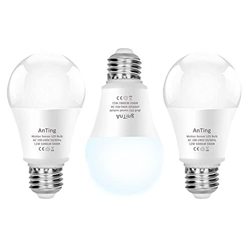 ANTING Lot de 3 Ampoules LED 12W E27 5000K avec Détecteur de Mouvement et Capteur Crépusculaire Ampoule Automatique A19, équivalent à 100W,1000lm,Blanc Froid pour Porte D'entrée,Garage,Escaliers