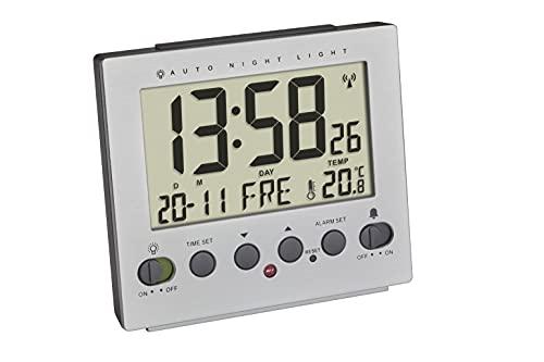 TFA Dostmann Despertador Digital 60.2561.55 Iluminación Nocturna Automática Radiodespertador Temperatura, Día de la Semana y Fecha, Efecto Aluminio