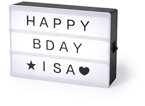 MKTOSASA - Caja de luz LED cinematográfica con cuerpo retroiluminado por 4 ledes. Incluye 82 letras y símbolos para mensajes personalizados. Botón ON/OFF y alimentación a pilas - 15x10.7x4.1