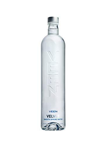 VEEN Velvet Quellwasser - 12x 660ml - Mineralwasser ohne Kohlensäure, stilles Wasser in hochwertiger Glasflasche, Durstlöscher aus Naturquelle, mineralarme stille Wasser, Wasserflasche aus Glas