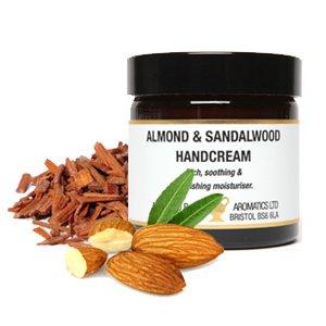Amande et bois de santal Crème mains 60 ml. Naturel riche et nourrissante avec extraits. Camomille, lavande, ginseng, bois de santal. Idéal pour les jardiniers.
