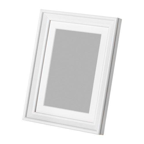 IKEA KNOPPÄNG Rahmen in weiß; inkl. Passepartout; (13x18cm)