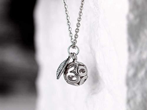 Zarte lange versilberte Kette mit Anhänger, filigran, orientalische Silber-Kugel, Ball, das perfekte Geschenk für Sie