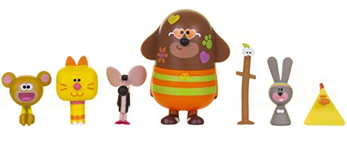 Hey Duggee 1988 and Friends Set Including Duggee, Stick, Naughty Monkey, Chicken, Mouse, Rabbit and Enid The Cat, Chunky Figurines are Perfect Toys for Kids