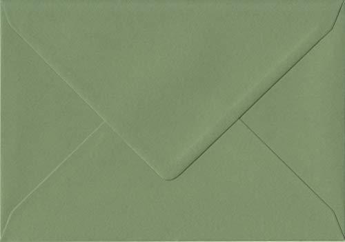 Pack de 50Vintage verde 162mm x 229mm, autoadhesivo, 135G/m², lujo C5(a Fit A5) color verde sobres. GF Smith Colorplan papel.