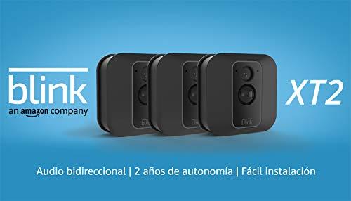 Blink XT2 | Cámara de seguridad inteligente, exteriores e interiores, almacenamiento en el Cloud, audio bidireccional, 2 años de autonomía | 3 cámaras