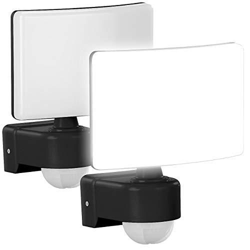 Lunartec Fluter: 2er-Set LED-Außenstrahler mit PIR-Bewegungssensor, 2.200 lm, 30W, IP65 (Neutralweisser LED-Außenstrahler)