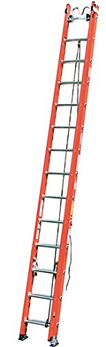 Werner D6228-2X0010 28' Fiberglass Flat D-Rung Extension Ladder w/Padded V-Rung, Cable Hooks, and Leveler Attached - 300lb Rated