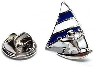 Distintivo spilla blu vela windsurfisti