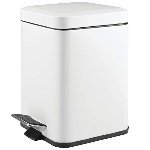 mDesign Square Household Rubbish Bin – 6 Litre Metal Waste Bin with Pedal, Lid and Plastic Bucket Insert – Pedal Waste Basket for Bathroom, Kitchen and Office – White