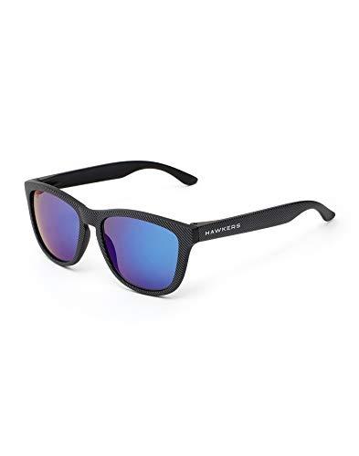 HAWKERS Gafas de Sol, Hombre y Mujer, con Montura Negra Mate con Trama y Lente Azul Efecto Espejo, Protección UV400, Carbon · Sky TR18, One Size Unisex Adulto