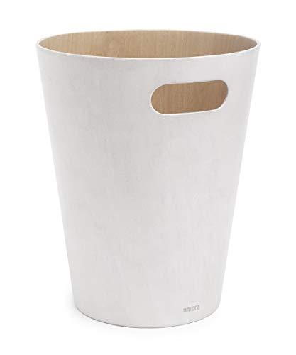 Umbra Woodrow Abfalleimer – Zweifarbiger Holz Papierkorb für Büro, Badezimmer, Wohnzimmer und Mehr, 7,5l Fassungsvermögen, Natur / Weiß