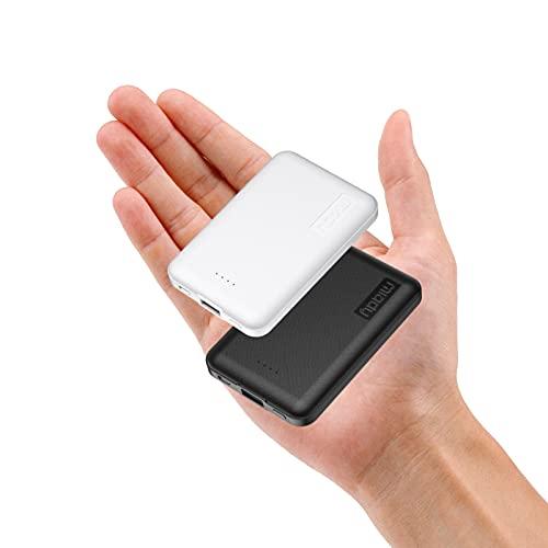 Miady 2 Stück Mini Powerbank 5000mAh, Externer Akku mit 5V 2.4A Ausgang und Micro Eingang,Klein und Kompakte Handy Ladegerät für iPhone 12/11 Pro Max/Xs, Samsung, Galaxy, Huawei usw.