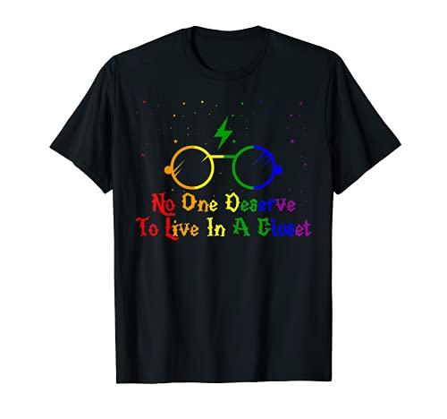 Bandera LGBT Pride Nadie Merece Vivir En Un Armario Arco Iris Camiseta