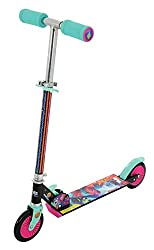 🛴 Folds quickly and securely for easy storage and transportation ✔ Reactive rear footbrake ✔ Character graphics including fully printed stem wrap ✔ Colour printed anti-slip griptape ✔ Adjustable handlebar height 74-80cm