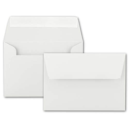 50x Brief-Umschläge B6 - Naturweiss - 12,5 x 17,5 cm - Haftklebung 120 g/m² - breite edle Verschluss-Lasche - hochwertige Einladungs-Umschläge