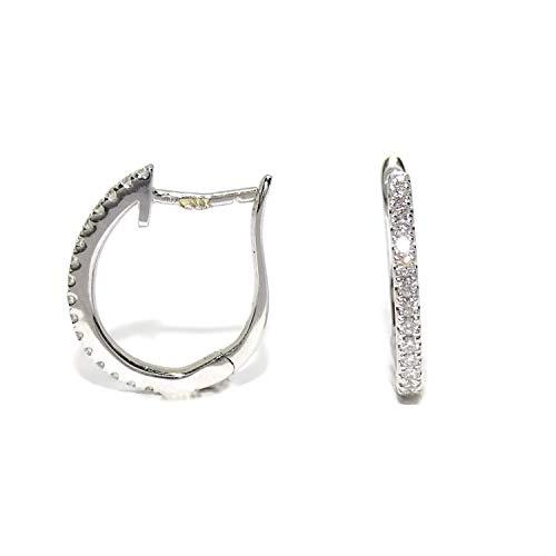 Pendientes medio aro de oro blanco de 18k con 32 diamantes talla brillante de 0.27cts Tamaño; 1.60cm de altos y 2mm de anchos, cierre de pala. Peso; 2.55gr de oro de 18k.