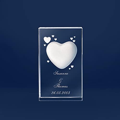 3D Glas mit Herz Motiv und Wunschnamen Gravur und Datum Liebesgeschenk (ohne Leuchtsockel, M - 60x50x90 mm)