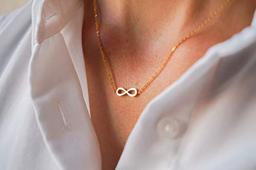 Damen Kette in Gold - Filigrane Halskette für Frauen mit Unendlichkeitszeichen Anhänger - Made by Nami Handmade Schmuck - Geschenk zum Geburtstag (Gold Infinity Unendlichkeitssymbol)
