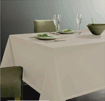 GoldenHome Tovaglia Color Avorio in 100% Cotone per Tavolo da 6 Persone. Altissima qualitˆ. Bordo Lavorazione gigliuccio. Misure 140 x 180 cm