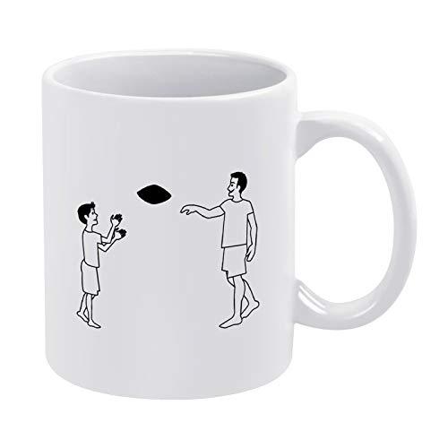Taza de té divertida para el padre y el hijo jugando al fútbol negro, 325 ml, regalo divertido para mujeres o hombres