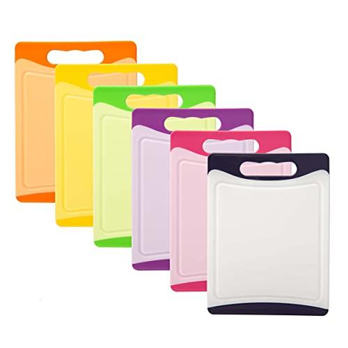 MaxxGoods Kunststoff Schneidebrett Set 6-tlg. - 20,0 x 15,0 cm - antibakteriell - spülmaschinenfest - mit Saftrille & Griff - ohne Weichmacher - Frühstücksbrettchen - BPA frei - 6 verschiedene Farben
