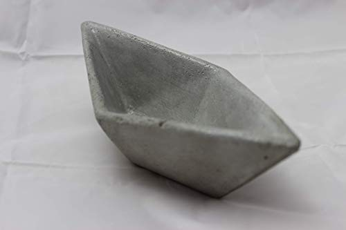 Boot Schale, Schiff, Papierboot aus Beton gegossen, Betonboot, Betonschiff, Schmusckschale